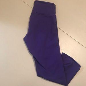 Old Navy Pants - EUC Old Navy fit purple Capri leggings
